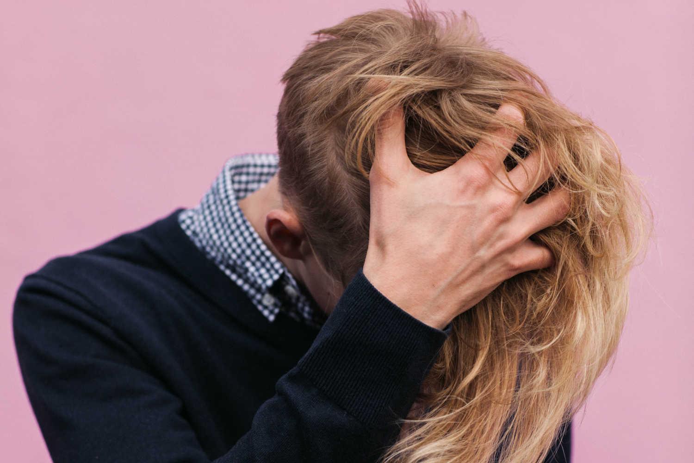 Juckende Kopfhaut und Haarausfall